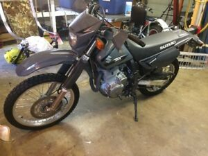 suzuki dr650 low km in  perfect condition