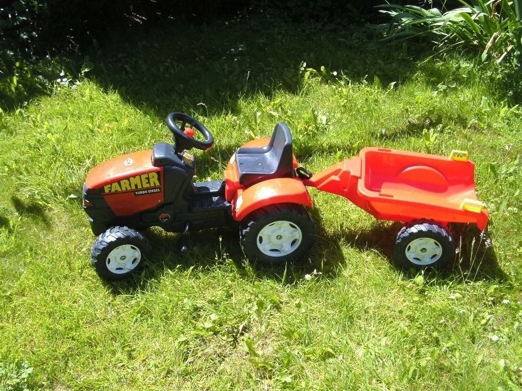 Red Toy Farm Tractor and Trailorin Newcastle, Tyne and WearGumtree - Toy Farm Tractor and Trailer, With Working Horn, suitable from 4 7 years approx . Been Kept in Granddads Shed, The trailer is slightly cracked hence the price, see pictures, Could deliver for price of fuel