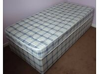 3FT Single Divan Bed with Mattress and Quilt. Immaculate.