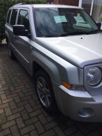 JEEP PATRIOT, VERY GOOD, CLEAN CONDITION, FULL SERVICE HISORY. 9 MONTHS MOT, MORE PHOTOS AVAILABLE