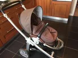 Maxi-Cosi Elea pram with many accessories