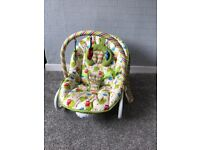 Unisex baby bouncer with vibrating mode