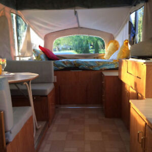Rare Find - 2002 Spacious 12' Jayco Eagle Summit
