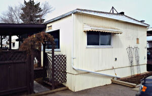 1971 Paramont 24x48 Double Wide Mobile Home - Delivery Included