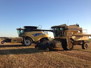 TR 97 New Holland Combine