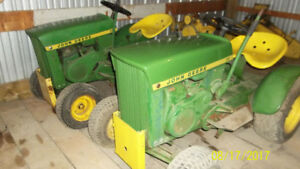 Two JD 110 lawn tractors -round fenders