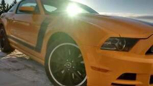2013 Ford Mustang Coupe (2 door)