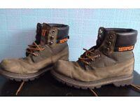 Boots Caterpillar Size 8