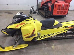 2015 Ski-Doo Summit X 174 800R E-Tec Pull Start