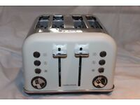 Boxed Morphy Richards Cream 4-slice Accents Toaster.