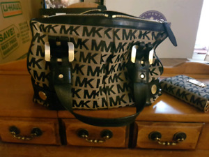 Authentic Michael Kors purse and wallet