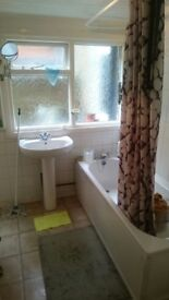 ***2 BED ROOM GROUND FLOOR FLAT WITH GARDEN TO RENT ; P/DSS ACCEPTABLE***