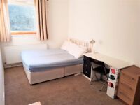 ***3 LARGE double room in HACKNEY Wick in SAME flat near the STATION
