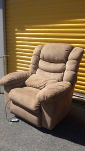 Authentic LA-Z-BOY Massage Recliner **Delivery Included**