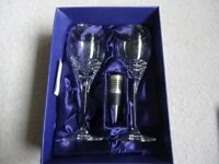 Boxed set of 2 modern Edinburgh crystal wine glasses, including a silver bottle stop