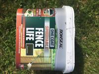 Ronseal One Coat Sprayable Fence Life paint. Forest green