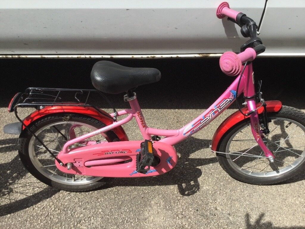 Girls Pink Bike Alu Flipperin Wollaton, NottinghamshireGumtree - Alu Flipper Girls Pink Bike Age 5 8 years Good condition Please see my other items as also selling bikes, go kart, shed, compressor, Pic and mix acrylic holders