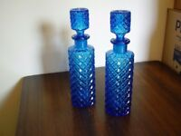 Set of 2 retro decanters