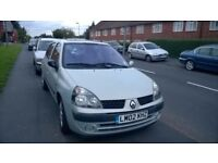 RENAULT CLIO 1.4 AUTO 9900 MILES FROM NEW £900 OVNO