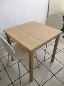 Takeaway/cafe table and chairs