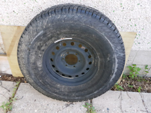Dunlop 285/75/16 Tire and Rim
