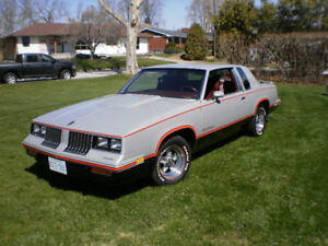 84 Hurst Olds/442  $16,000 or Best