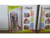 Hauck baby safety gate - brand new in box, unopened