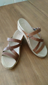 Sandales Crocs taille 7