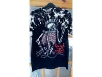 Mens punk is not dead t shirt size 38/40