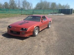 1988 Iroc Camaro selling by online auction NOW!!!