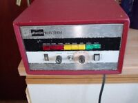 VINTAGE DRUM MACHINE IN WORKING ORDER ( MAESTRO RHYTHM ) DO NOT KNOW HOW OLD IT IS BUT CAN BE USED