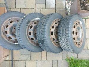 4 winter tires with rims (195/60R15)