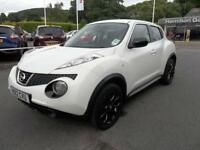 Nissan Juke 1.6 Acenta 5dr [Premium Pack] (white) 2012