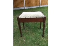 Piano stool with lift top lid in great condition