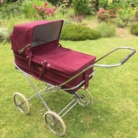 Gorgeous mothercare pram carry cot excellent condition