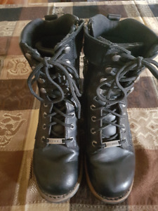 HARLEY DAVIDSON WOMEN'S MOTORCYCLE BOOTS