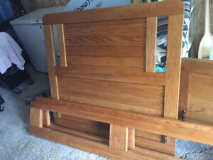 GOOD QUALITY SOLID WOOD TWIN BED FRAME WITH DRAWERS STORAGE