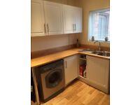Kitchen Cabinets/units/worktops & splashbacks