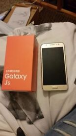 Samsung galaxy j5 locked to 02 perfect condition
