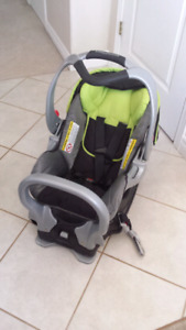 Baby Trend Car Seat (with base)