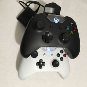 Xbox One Controller, 2pc & Energizer charging dock!