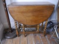 Antique oak, drop leaf table, small and very good quality