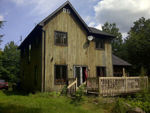 Laurentians, Big lake, 3 bed, fireplace, beach, boating..