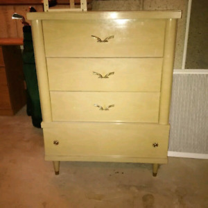Nice 1950s dresser pick up today for 70.00