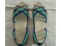 Crocs Sandal Genuine Size 6UK (39) W8