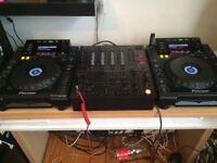 2 x Pioneer CDJ-900 + DJM-600 mixer