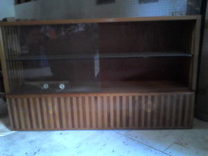 China Cabinet /Book Shelve