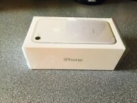 Iphone 7 32GB Silver Unlock 8 months Apple Warranty