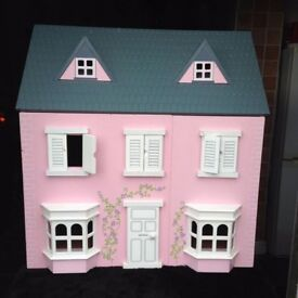 dolls house/home play centre thingy :)