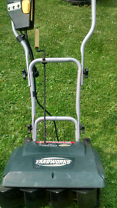 Electric snow blower mint shape used twice last year